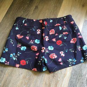 LOFT Shorts - ✨HP✨ LOFT Navy Floral Chino Riviera Shorts size 2